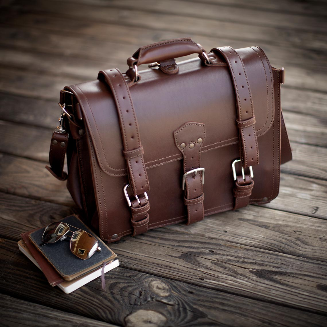 Fulton_Leather_Bag_TravelDiary_UnitedAir